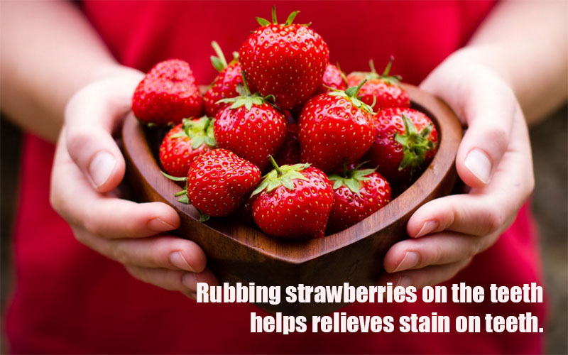 Straberries_teeth_whitening