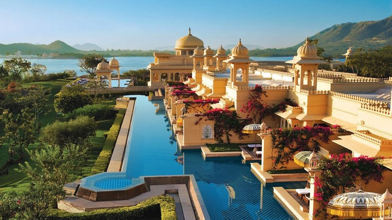 AwesomePlaces_TheOberoiUdaivilas_India01